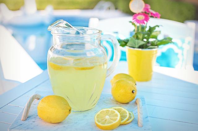 レモンとレモネード